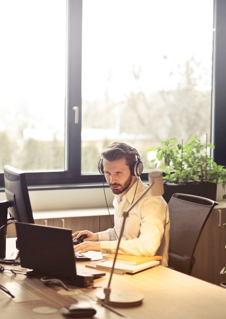 Aprovechar la luz natural en oficinas gracias a Solarcheck.